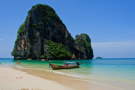 Play at the beaches of Thailand